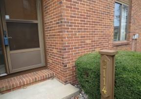 2114 Sunview Drive #2114, Champaign, IL 61821 (MLS #10141997) :: Baz Realty Network | Keller Williams Elite