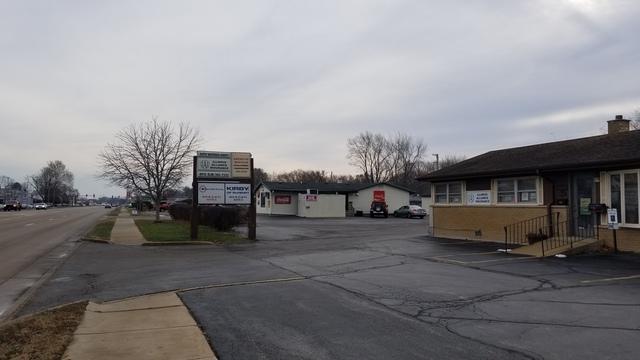 4915 Elm Street, Mchenry, IL 60050 (MLS #10142799) :: Lewke Partners