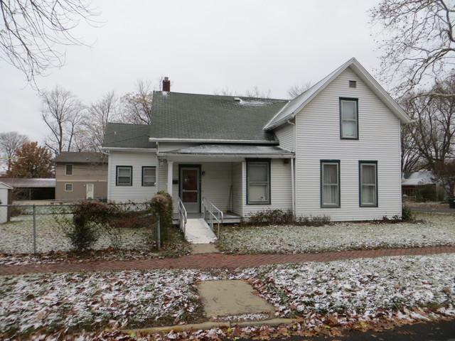 306 E California Avenue, Urbana, IL 61801 (MLS #10144872) :: Leigh Marcus | @properties
