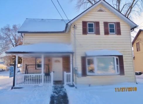 302 Dixon Avenue, Rock Falls, IL 61071 (MLS #10144950) :: Leigh Marcus | @properties