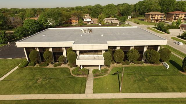 7900 Cass Avenue #210, Darien, IL 60561 (MLS #10145674) :: The Perotti Group | Compass Real Estate