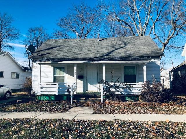 110 S Oak Street, VILLA GROVE, IL 61956 (MLS #10146297) :: Baz Realty Network | Keller Williams Preferred Realty