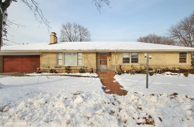 6902 N Karlov Avenue, Lincolnwood, IL 60712 (MLS #10146311) :: Leigh Marcus | @properties