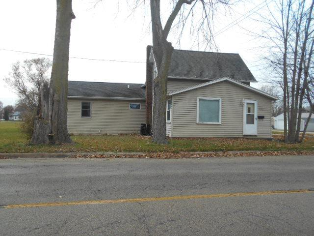 400 E 10th Street, Rock Falls, IL 61071 (MLS #10147136) :: The Spaniak Team