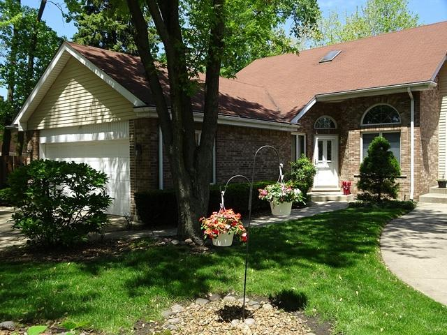 28 W Maple Lane, Palos Heights, IL 60463 (MLS #10147277) :: The Wexler Group at Keller Williams Preferred Realty