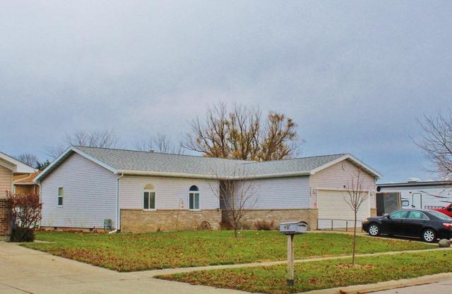 2365 Chestnut Lane, Morris, IL 60450 (MLS #10147442) :: Leigh Marcus | @properties