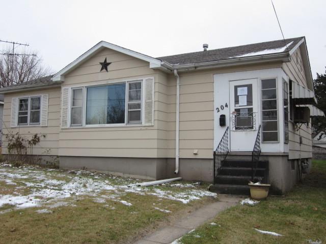 204 E 6th Street, Rock Falls, IL 61071 (MLS #10147652) :: Leigh Marcus | @properties