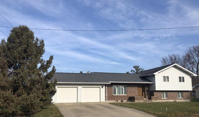 13 Dawn Avenue, Paxton, IL 60957 (MLS #10147753) :: Leigh Marcus | @properties