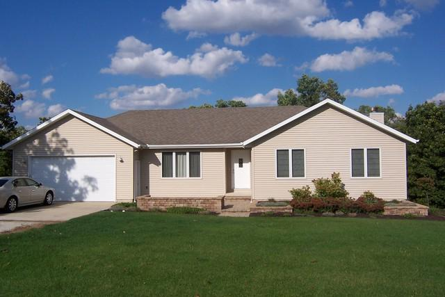 110 Oneida Lane, Loda, IL 60948 (MLS #10148297) :: Ryan Dallas Real Estate