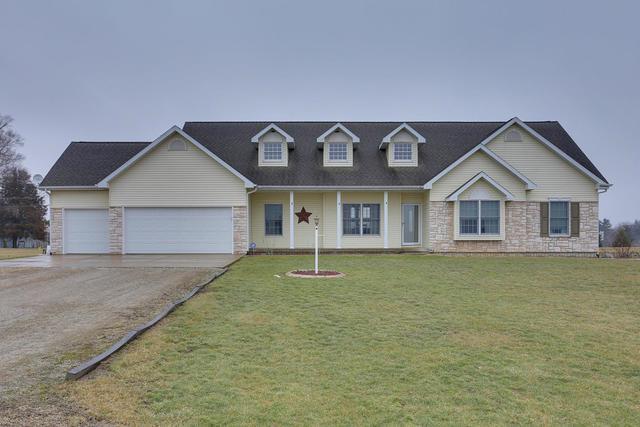 1 Doane Drive, Mansfield, IL 61854 (MLS #10148924) :: Baz Realty Network | Keller Williams Preferred Realty