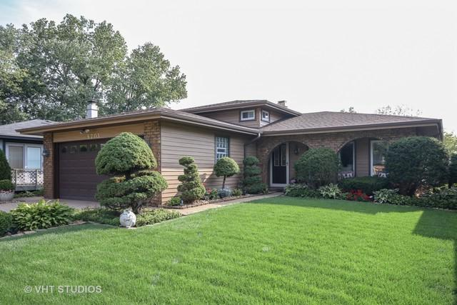 5703 Tennessee Avenue, Clarendon Hills, IL 60514 (MLS #10149264) :: Leigh Marcus | @properties