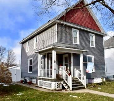 1203 7th Avenue, Sterling, IL 61081 (MLS #10149929) :: Leigh Marcus | @properties