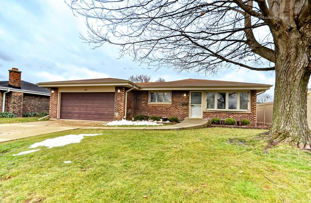 565 W Montrose Avenue, Wood Dale, IL 60191 (MLS #10150034) :: Janet Jurich Realty Group