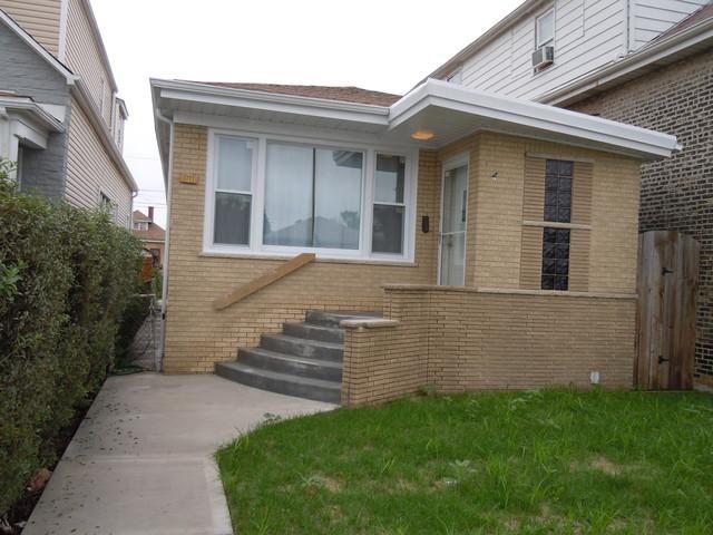 5255 S California Avenue, Chicago, IL 60632 (MLS #10150416) :: Leigh Marcus | @properties