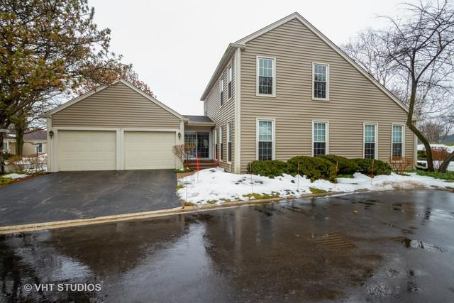 12 The Court Of North Corner Court, Northbrook, IL 60062 (MLS #10150624) :: Baz Realty Network | Keller Williams Preferred Realty