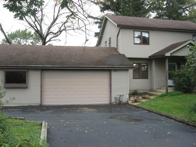 10 W 61ST Street, Downers Grove, IL 60516 (MLS #10151062) :: Leigh Marcus | @properties