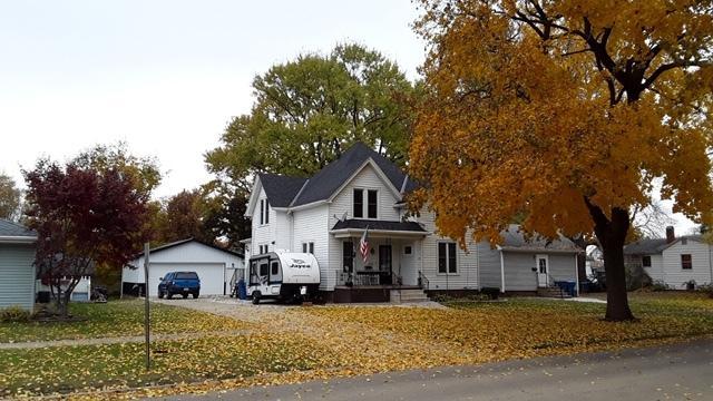 502 4th Avenue, Mendota, IL 61342 (MLS #10151208) :: Leigh Marcus | @properties
