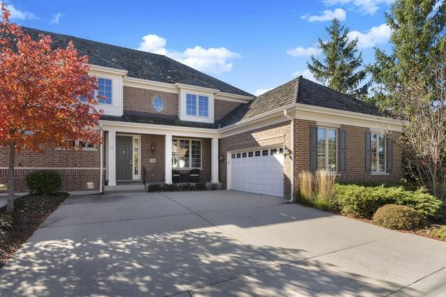 2116 Royal Ridge Drive, Northbrook, IL 60062 (MLS #10151305) :: The Spaniak Team