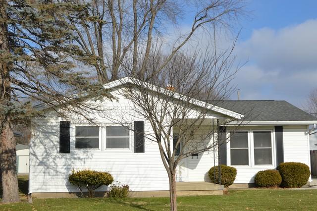 728 1st Avenue, Morris, IL 60450 (MLS #10152112) :: Leigh Marcus | @properties