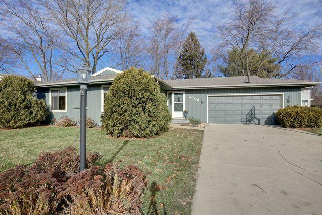 2906 Clayton Boulevard, Champaign, IL 61822 (MLS #10152838) :: Ryan Dallas Real Estate