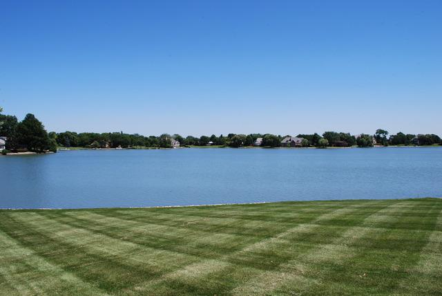 70 Watergate Drive, South Barrington, IL 60010 (MLS #10152960) :: The Jacobs Group