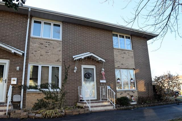 613 E 3rd Street #1, Lockport, IL 60441 (MLS #10152978) :: The Wexler Group at Keller Williams Preferred Realty