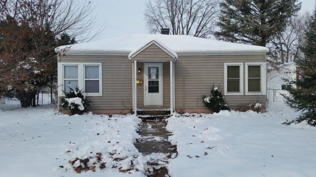 2815 Kenmore Avenue, Rockford, IL 61103 (MLS #10153117) :: Helen Oliveri Real Estate