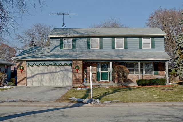 1191 California Avenue, Aurora, IL 60506 (MLS #10153207) :: Helen Oliveri Real Estate