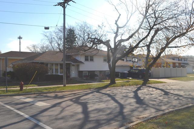 10301 S Kilbourn Avenue, Oak Lawn, IL 60453 (MLS #10153309) :: The Wexler Group at Keller Williams Preferred Realty