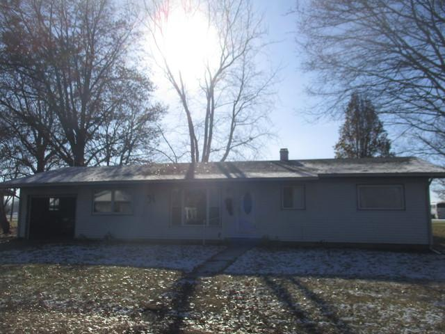 404 Southland Drive, Tuscola, IL 61953 (MLS #10153496) :: Littlefield Group