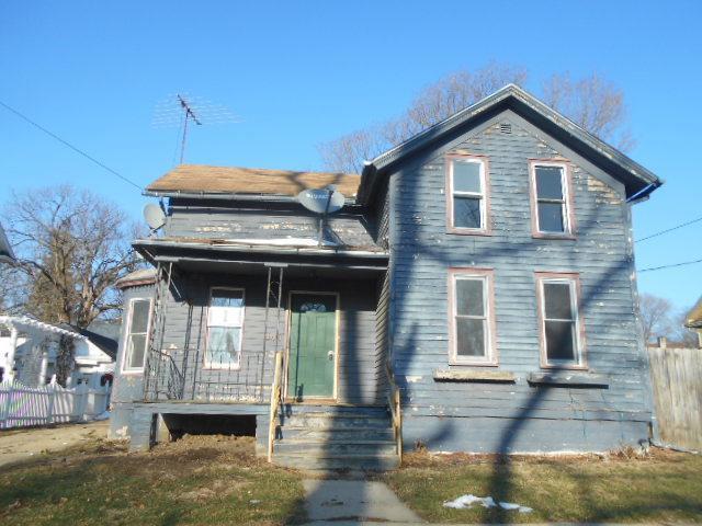 504 W Main Street, Morrison, IL 61270 (MLS #10154578) :: Baz Realty Network | Keller Williams Preferred Realty