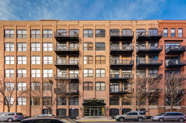 520 W Huron Street #209, Chicago, IL 60654 (MLS #10154930) :: The Perotti Group | Compass Real Estate