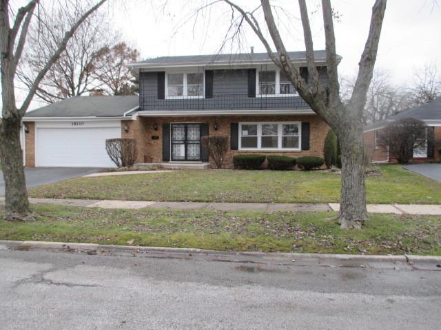 18110 Cherrywood Lane, Homewood, IL 60430 (MLS #10155182) :: The Spaniak Team