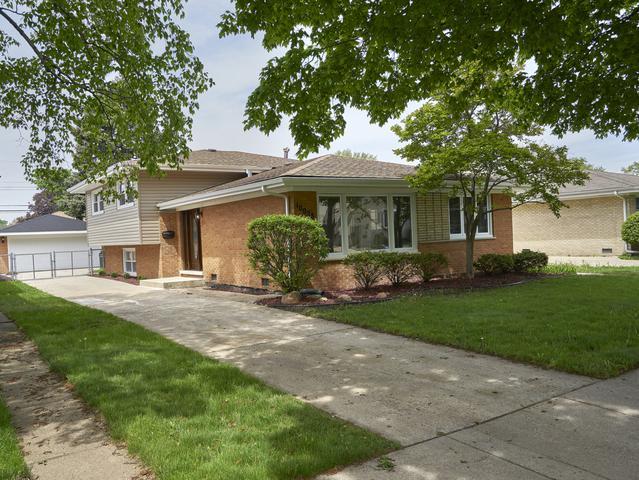 10028 S Komensky Avenue, Oak Lawn, IL 60453 (MLS #10155195) :: The Wexler Group at Keller Williams Preferred Realty
