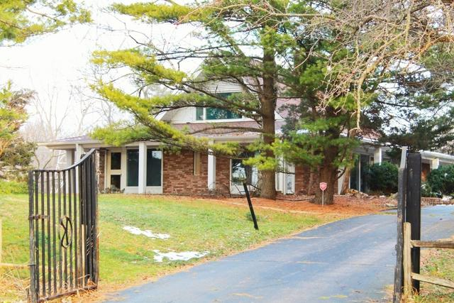 2 Barrington Bourne, Barrington Hills, IL 60010 (MLS #10155663) :: Helen Oliveri Real Estate