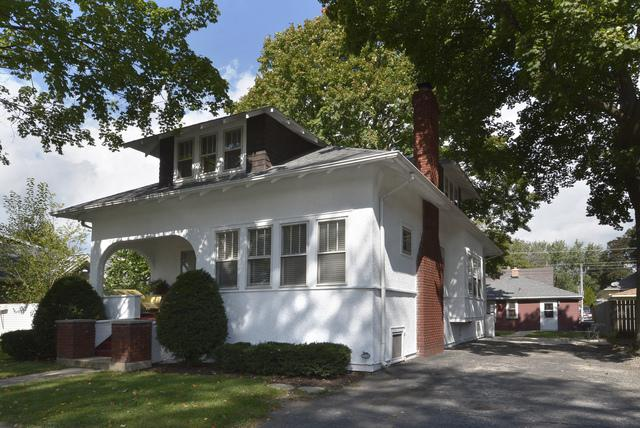 1374 E Algonquin Road, Des Plaines, IL 60016 (MLS #10156125) :: Helen Oliveri Real Estate