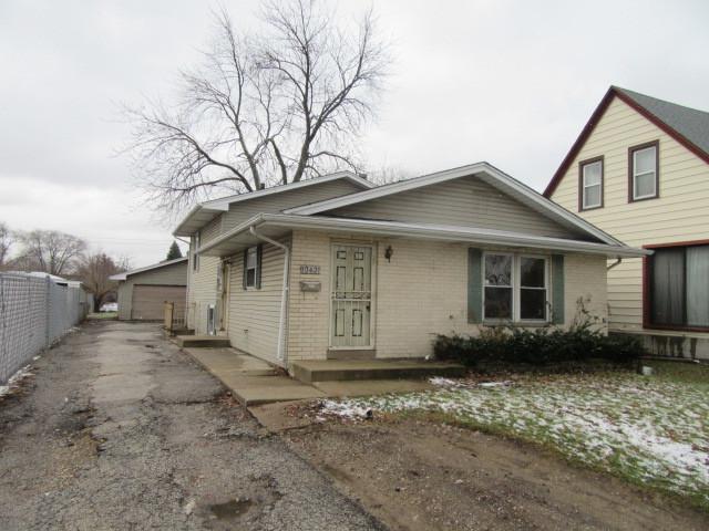 10421 W Fullerton Avenue, Melrose Park, IL 60164 (MLS #10156331) :: The Wexler Group at Keller Williams Preferred Realty