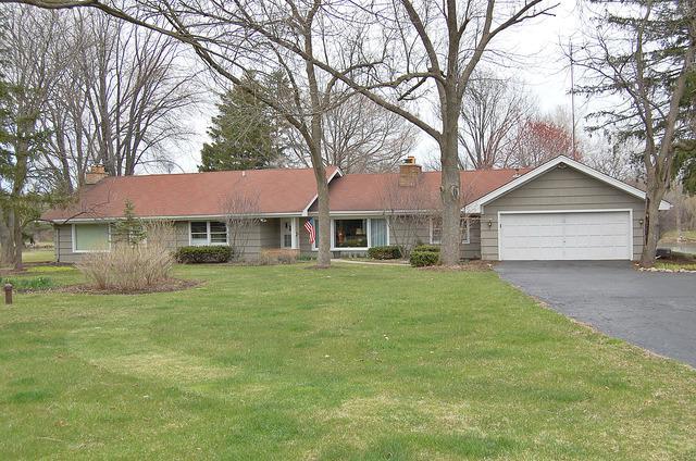 16208 W Port Clinton Road, Lincolnshire, IL 60069 (MLS #10156427) :: Helen Oliveri Real Estate