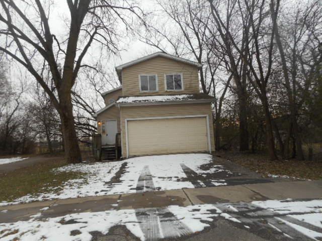 719 Oakwood Drive, Round Lake Beach, IL 60073 (MLS #10156432) :: John Lyons Real Estate