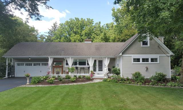 31w762 Peterson Drive, Wayne, IL 60184 (MLS #10159297) :: Angela Walker Homes Real Estate Group