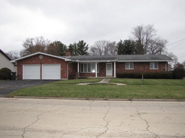 206 W Washington Street, ARCOLA, IL 61910 (MLS #10159524) :: Baz Realty Network | Keller Williams Preferred Realty