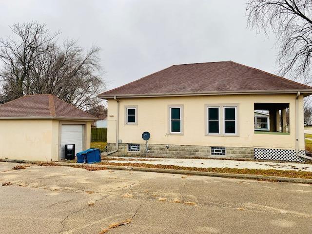 110 E Maple Street, Hoopeston, IL 60942 (MLS #10159790) :: Baz Realty Network | Keller Williams Preferred Realty