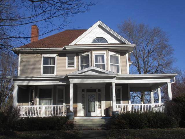 204 E Scott Street, Tuscola, IL 61953 (MLS #10160086) :: Ryan Dallas Real Estate