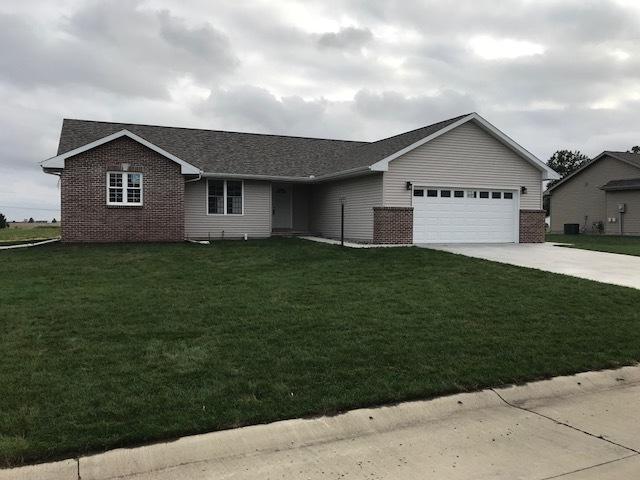 305 Lincoln Street, Fisher, IL 61843 (MLS #10160957) :: Ryan Dallas Real Estate