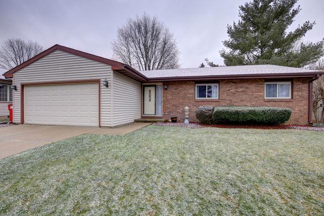 1513 Country Lake Drive, Champaign, IL 61821 (MLS #10161420) :: Ryan Dallas Real Estate