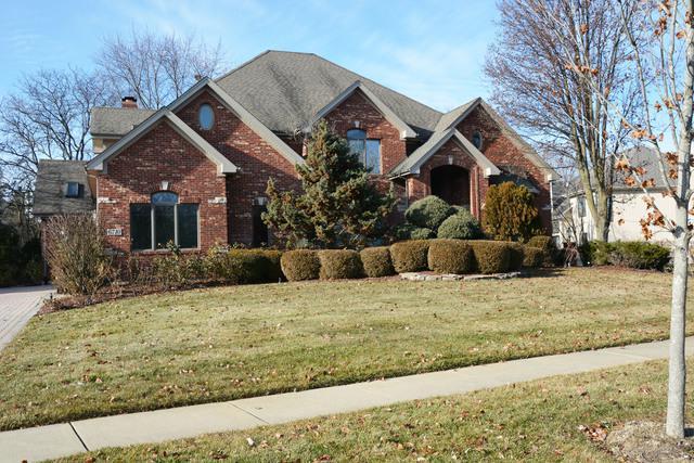6710 Sweetbriar Lane, Darien, IL 60561 (MLS #10161501) :: Helen Oliveri Real Estate