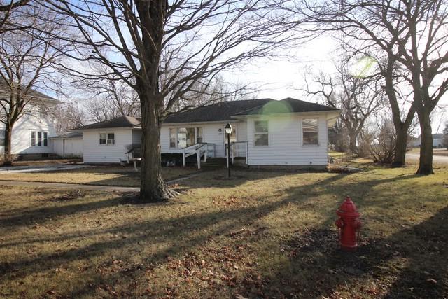 410 W Main Street, Kempton, IL 60946 (MLS #10162383) :: Baz Realty Network | Keller Williams Preferred Realty