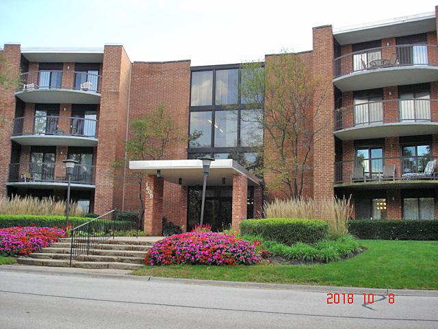 1605 E Central Road 108A, Arlington Heights, IL 60005 (MLS #10162643) :: Baz Realty Network | Keller Williams Preferred Realty