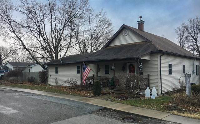 300 E 10th Street, GEORGETOWN, IL 61846 (MLS #10162711) :: The Wexler Group at Keller Williams Preferred Realty