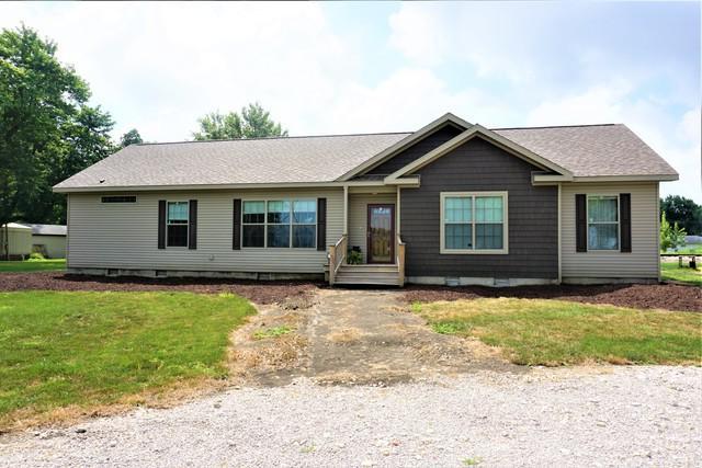 706 W Vanderen Street, NEWMAN, IL 61942 (MLS #10167501) :: Berkshire Hathaway HomeServices Snyder Real Estate